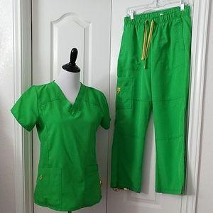 WonderWink Green Scrubs